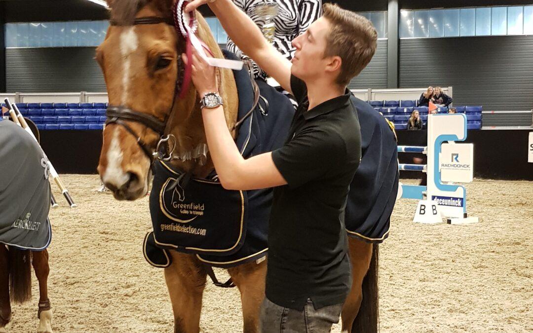Hanne Van Linden wint eerste manche Antarès criterium tijdens Flanders Horse Expo